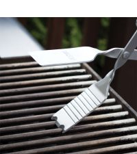 Scape your grill clean with BBQ Croc